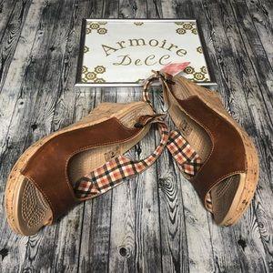 Crocs A-Leigh Wedge Sandal